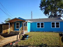 Photo of 11 Ashleyville Road, Baytown, TX 77521 (MLS # 16960391)