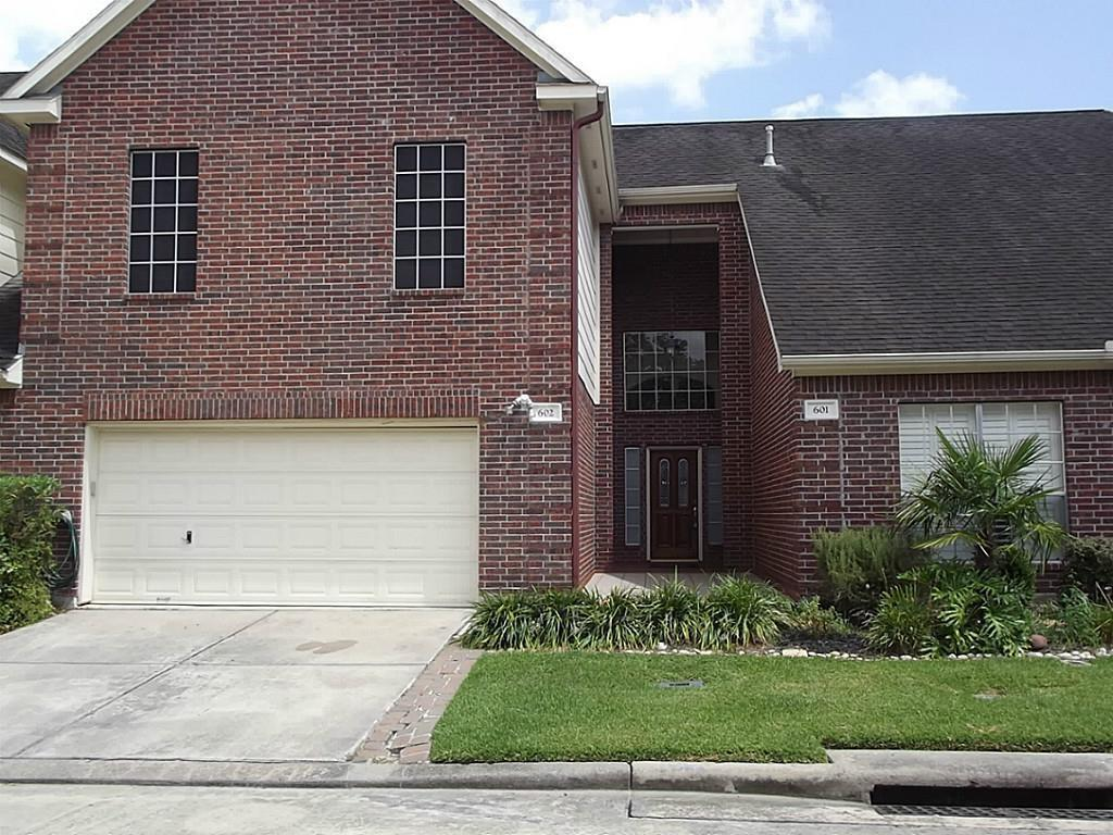 Photo for 1408 S Friendswood Drive, Unit 602, Friendswood, TX 77546 (MLS # 21791915)