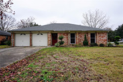 Photo of 502 Walnut Street, Lake Jackson, TX 77566 (MLS # 35250239)