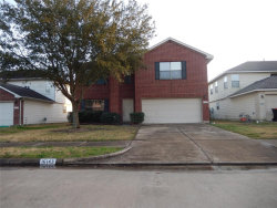 Photo of 16143 Dawn Marie Lane, Sugar Land, TX 77498 (MLS # 36203302)