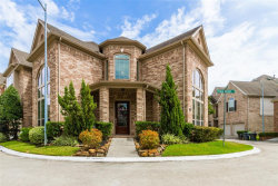 Photo of 3539 Urban Woods Trail, Houston, TX 77008 (MLS # 37560543)
