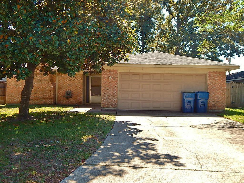 Photo for 2002 Derby Drive, Conroe, TX 77303 (MLS # 46829446)