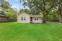 Photo of 1265 Pecan Street, Clute, TX 77531 (MLS # 48194760)