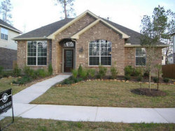Photo of 47 E Montfair Boulevard E, The Woodlands, TX 77382 (MLS # 48301030)