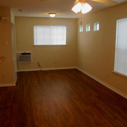 Tiny photo for 831 W 25th Street, Unit 4, Houston, TX 77008 (MLS # 48949157)