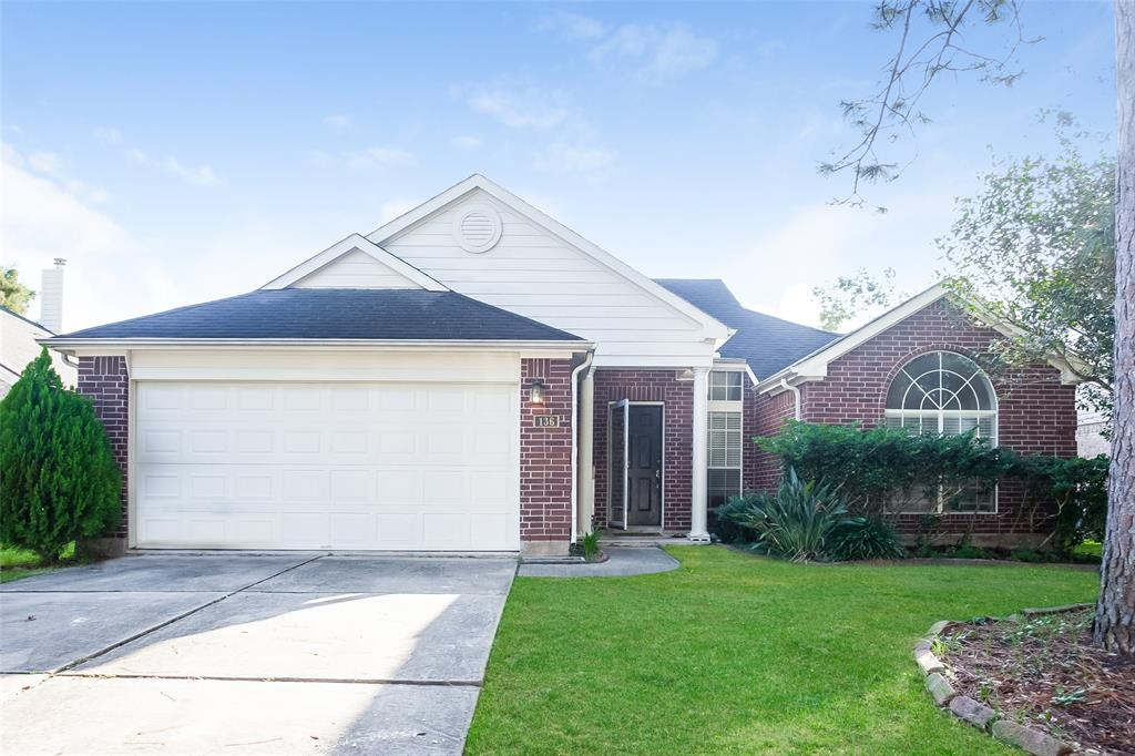Photo for 136 Lake Point Drive, League City, TX 77573 (MLS # 51041945)