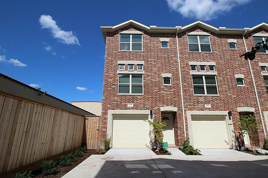 Photo for 2710 Hullsmith Drive, Unit 604, Houston, TX 77063 (MLS # 53350030)