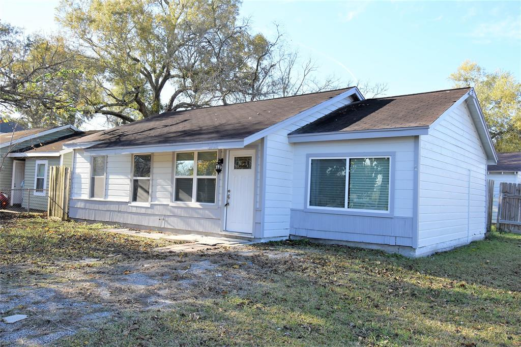 Photo for 3102 Avenue H, Dickinson, TX 77539 (MLS # 53623118)
