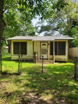 Photo of 913 Meyers Street, Clute, TX 77531 (MLS # 86677889)