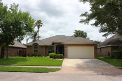 Photo of 1011 S Wellsford, Pearland, TX 77584 (MLS # 94663940)