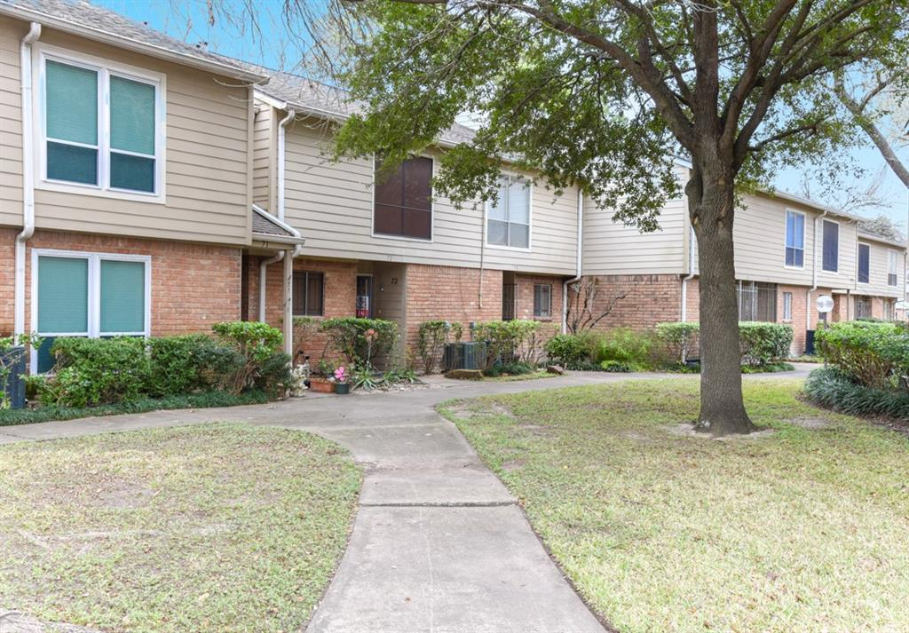 Photo for 5005 Georgi Lane, Unit 72, Houston, TX 77092 (MLS # 21325251)