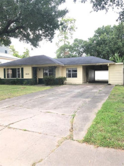 Photo of 1110 Grovewood Lane, Houston, TX 77008 (MLS # 10633952)