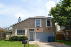 Photo of 625 Prairie Lane, Angleton, TX 77515 (MLS # 11209332)