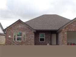 Photo of 304 YORKTOWN Avenue, Clute, TX 77531 (MLS # 13195121)