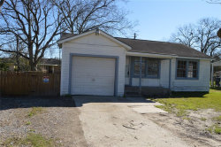 Photo of 513 W Oak Street, Highlands, TX 77562 (MLS # 15024797)