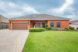 Photo of 420 Forest Oaks Lane, Lake Jackson, TX 77566 (MLS # 19400344)