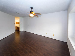 Tiny photo for 417 Windhollow Circle, League City, TX 77573 (MLS # 19670116)