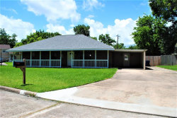 Photo of 318 Four Oaks Street, Richwood, TX 77531 (MLS # 20477085)