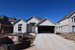 Photo of 21387 Somerset Shores Crossing, Kingwood, TX 77339 (MLS # 20560404)