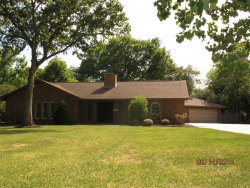 Photo of 552 Oak Drive, Lake Jackson, TX 77566 (MLS # 20937169)