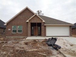 Photo of 102 Freedom, Clute, TX 77531 (MLS # 22925261)