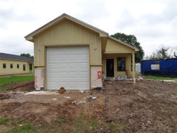 Photo of 310 W Live Oak Street, Angleton, TX 77515 (MLS # 2337453)