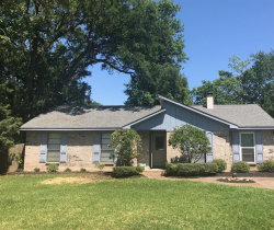 Photo of 610 E Oyster Creek Dr Drive, Richwood, TX 77531 (MLS # 26960905)