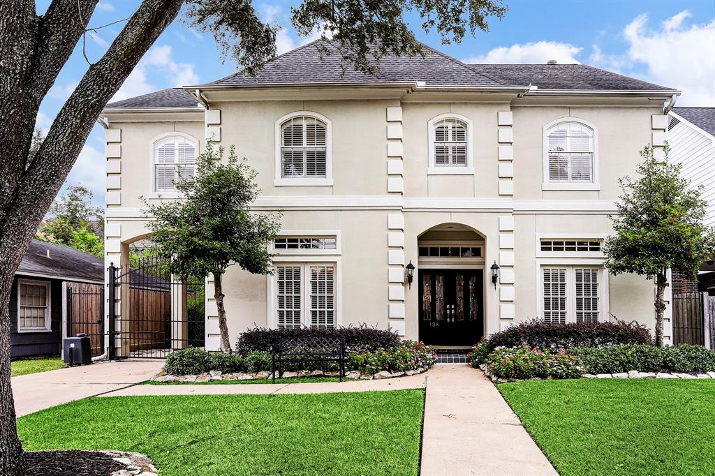 Photo for 138 Whipple Drive, Bellaire, TX 77401 (MLS # 28734935)