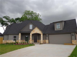 Photo of 413 Williamsburg Avenue, Clute, TX 77531 (MLS # 29171971)