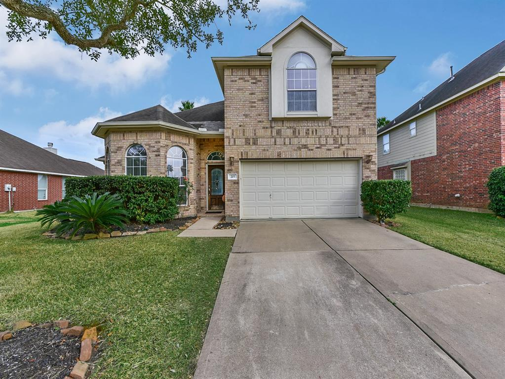 Photo for 215 Walnut Cove Lane, Pearland, TX 77584 (MLS # 29339409)