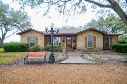 Photo of 658 County Road 451, El Campo, TX 77437 (MLS # 29948300)
