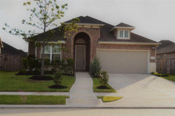 Photo of 2006 E Highland Meadows Dr Drive E, Pearland, TX 77089 (MLS # 33089044)