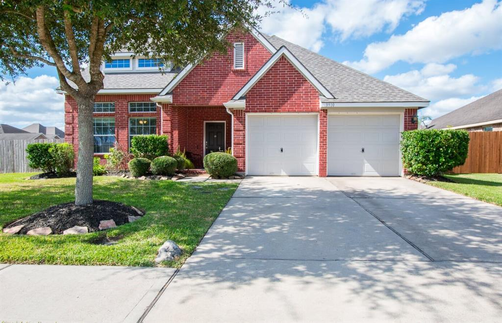 Photo for 3910 Pennyoak Drive, Pearland, TX 77581 (MLS # 36608549)