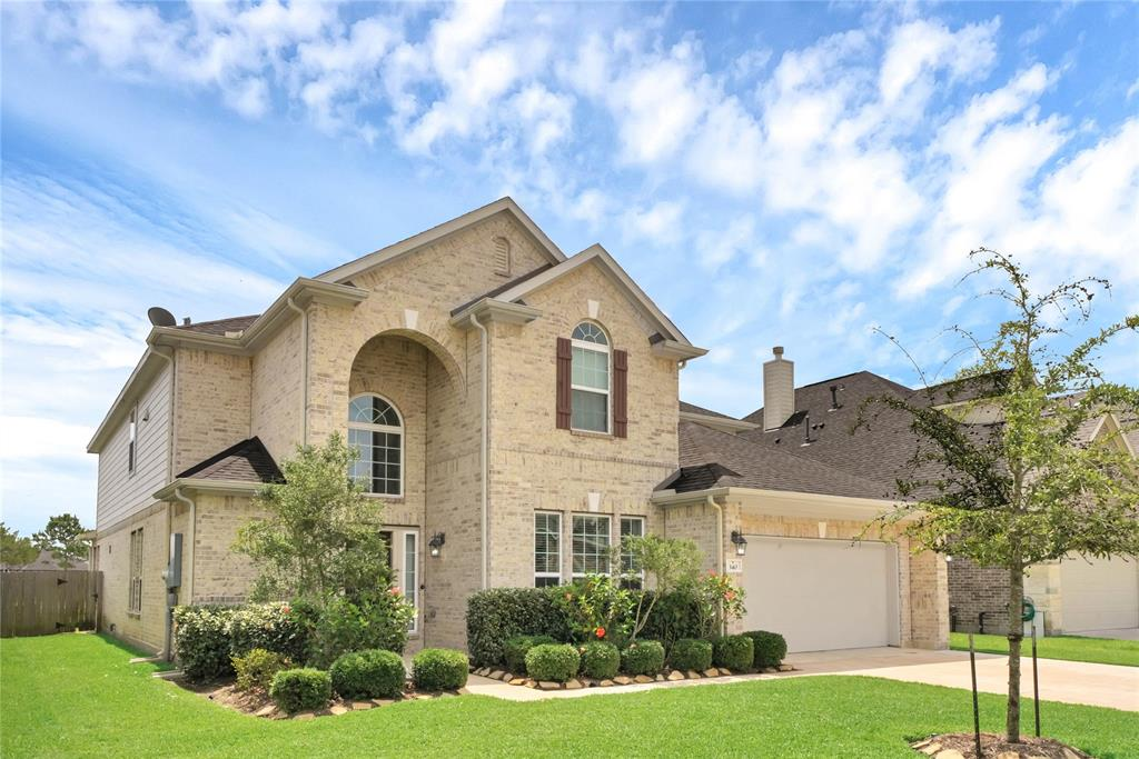 Photo for 340 Woodway Drive, League City, TX 77573 (MLS # 41221485)