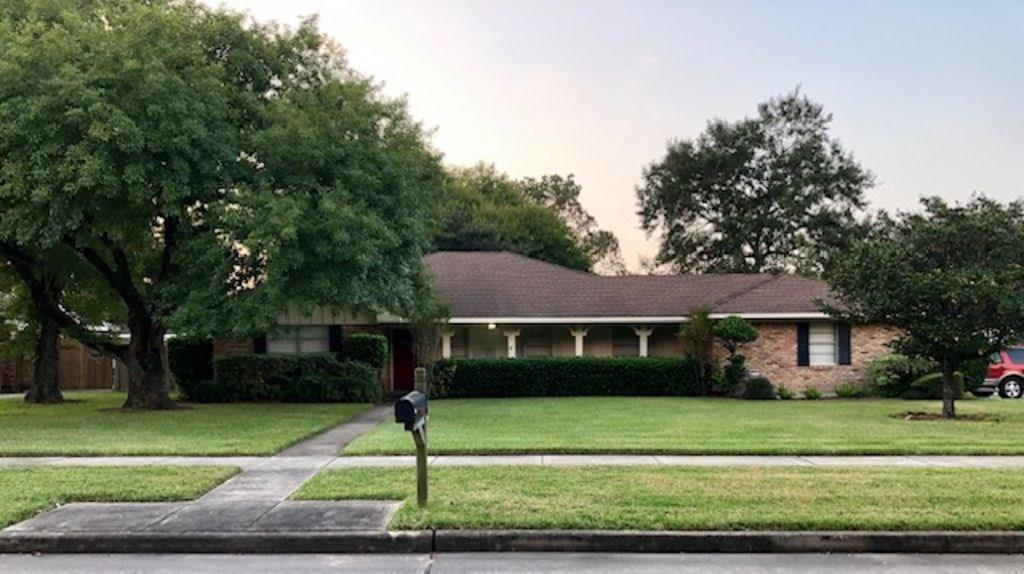Photo for 15602 Lakeview Drive, Jersey Village, TX 77040 (MLS # 43198659)