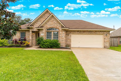 Photo of 204 Lexington Avenue, Clute, TX 77531 (MLS # 45153078)