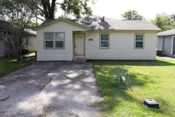 Photo of 541 Brazoswood Drive, Clute, TX 77531 (MLS # 45910741)
