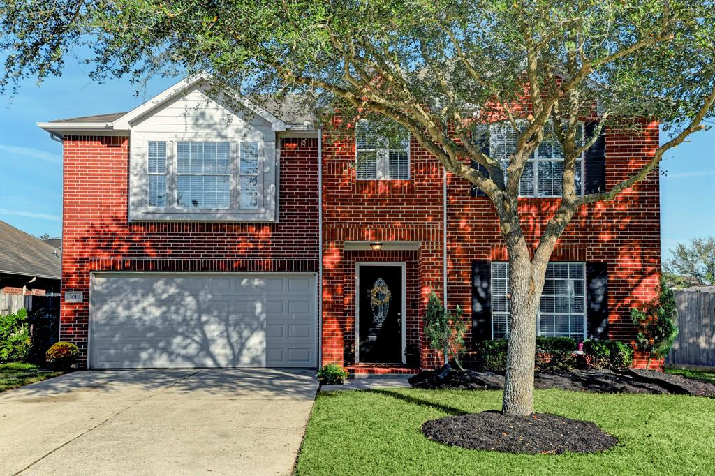 Photo for 3019 Meadow Bay Drive, Dickinson, TX 77539 (MLS # 47775395)