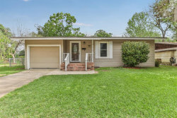 Photo of 62 Camellia Court, Lake Jackson, TX 77566 (MLS # 49523752)