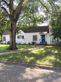 Photo of 1103 Alvin Street, El Campo, TX 77437 (MLS # 50103077)
