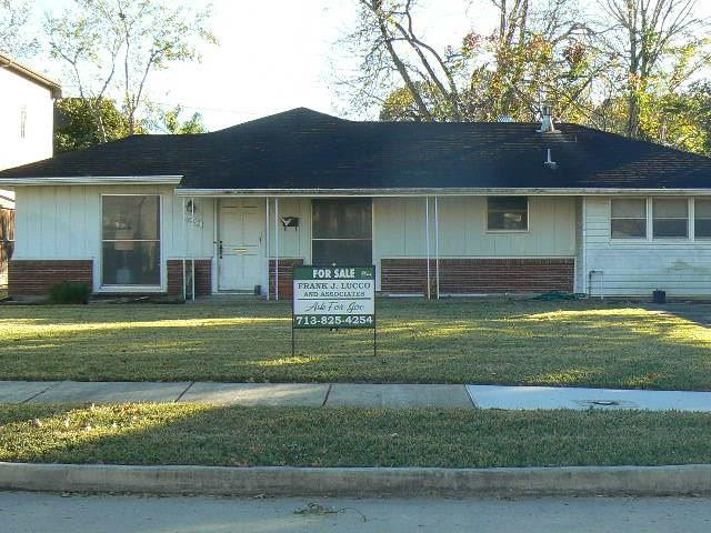 Photo for 4907 Holt Street, Bellaire, TX 77401 (MLS # 52860899)
