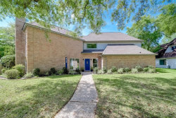 Photo of 818 Silvergate Drive, Houston, TX 77079 (MLS # 52947857)