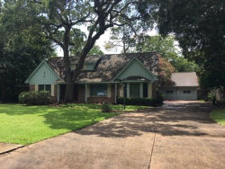 Photo of 214 Pine Street, Lake Jackson, TX 77566 (MLS # 5443182)