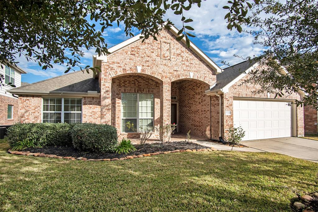 Photo for 9214 Indian Creek Falls, Tomball, TX 77375 (MLS # 57968273)