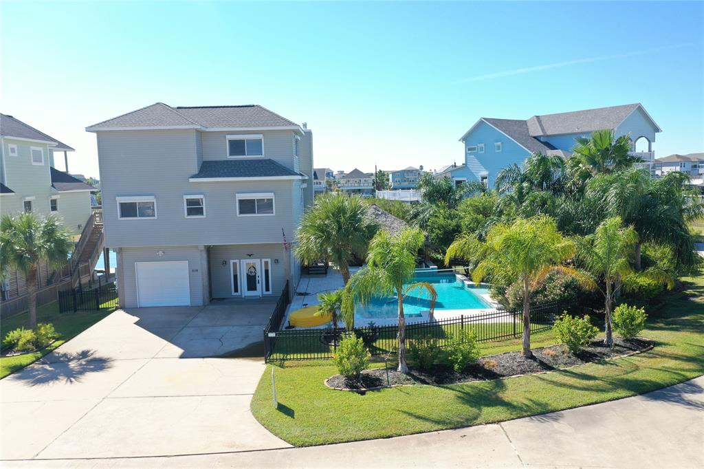 Photo for 519 Westerly Drive, Tiki Island, TX 77554 (MLS # 64138713)