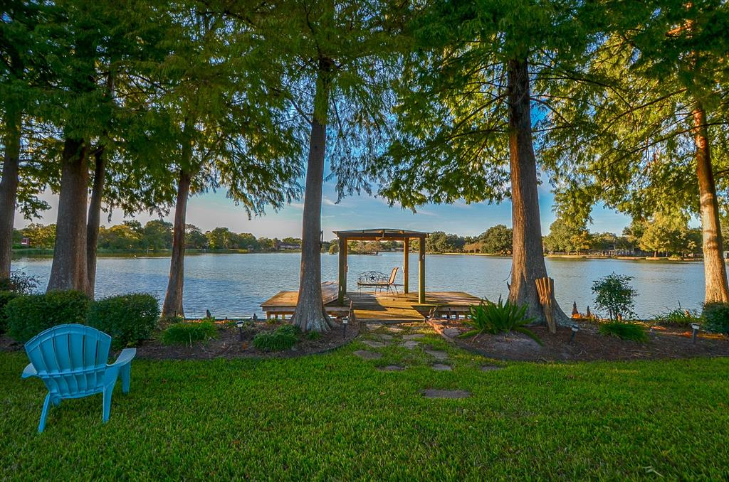 Photo for 15418 Lakeview Drive, Jersey Village, TX 77040 (MLS # 64494879)