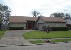 Photo of 520 Daffodil Street, Lake Jackson, TX 77566 (MLS # 65255587)