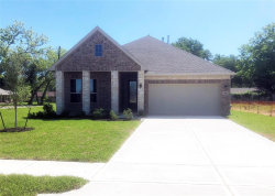 Photo of 716 Shadow Bend Bend, Richwood, TX 77531 (MLS # 68048278)