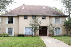 Photo of 1 Inverness Ln, West Columbia, TX 77486 (MLS # 68978403)