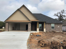 Photo of 208 Yorktown Avenue, Clute, TX 77531 (MLS # 71981557)